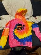 sunshinesisters BE KIND ZIP UP HOODIE - NEON RAINBOW Review