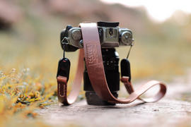 Clever Supply Co. Anchor Camera Strap w/ Peak Design AL Review
