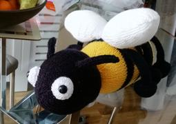 Deramores Honey the Bee in Deramores Studio DK by Amanda Berry Review