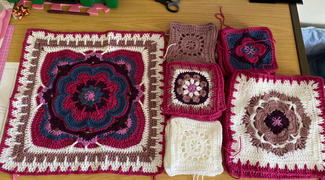 Deramores Rose of Avalon Blanket Crochet Kit and Pattern Review