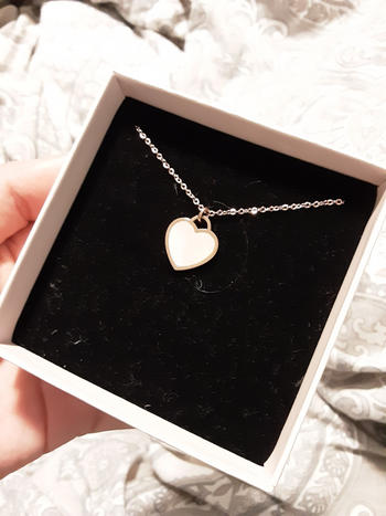 aphrodite-jewellery-us Unique Love - Necklace Review