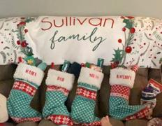 audrey-and-bear Holly Holiday  | Family Name Blanket Review