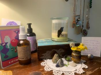 Sea Witch Botanicals Candle: Quoth the Raven Review