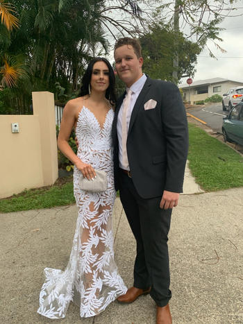 Dress for a Night NADINE MERABI Stella Gown (White)- RRP $885 Review