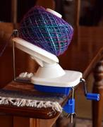 Paradise Fibers Stanwood Needlecraft Hand-Operated Yarn Ball Winder, 4-Ounce Review