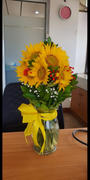 Outerbloom Florist 5 Sunflower With Glass Vase Review