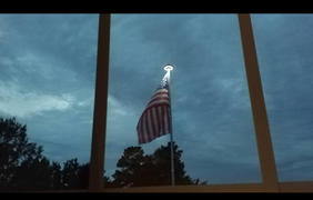 Next Deal Shop Solar Powered Flag Pole UFO Light Review