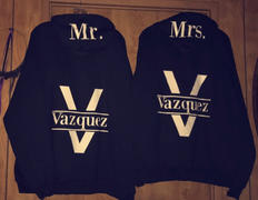 BRIDE TO BE SHOP Set of CUSTOMIZED Mr. & Mrs. Couple Full-Zip Hoodie Review