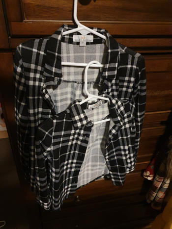 Bailey's Blossoms Dawn Flannel - Black & White Review