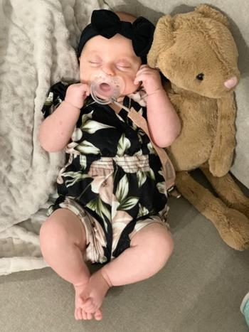 Bailey's Blossoms Halle Short Sleeve V-neck Romper - Black & Tan Peony Review