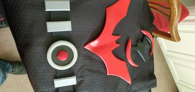 Tiger Stone FX Batman Beyond inspired chest emblem (can be made in various colors) Review