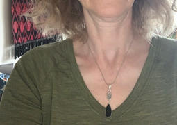 Sivana Hematite and Herkimer Diamond Pendant Review