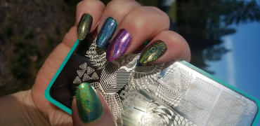 Maniology Musik City XL: Whoo Are You?/Psychedelic Haze (m121) - Nail Stamping Plate Review