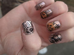 Maniology Halloween: Bad to the Bone (m158) - Nail Stamping Plate Review