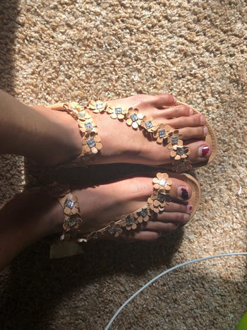 Boots N Bags Heaven Sweet and Dainty Floral Sandals Review
