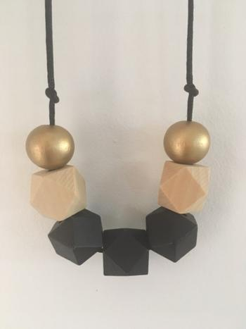 Boots N Bags Heaven Geometric Natural Wooden Bead Necklace Review
