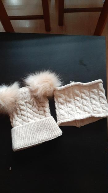 Boots N Bags Heaven Cute Winter Pompom Beanie and Scarf for Kids Review