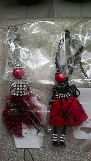 Boots N Bags Heaven Chic Rhinestone and Feather Fashionista Necklace Dolls Review