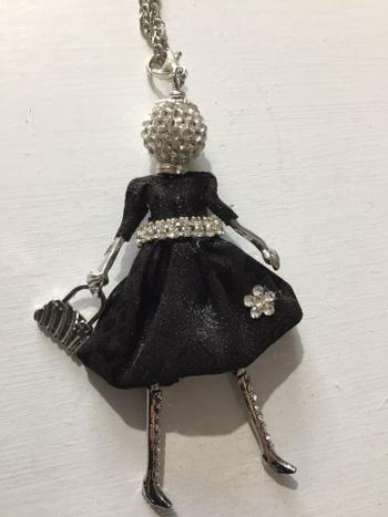 Boots N Bags Heaven Elegant Fur Coat Fashionista Doll Beaded Long Necklace - Special Collection Review