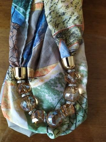 Boots N Bags Heaven Flower Pattern Chiffon Scarf With Resin Beads Pendant Review