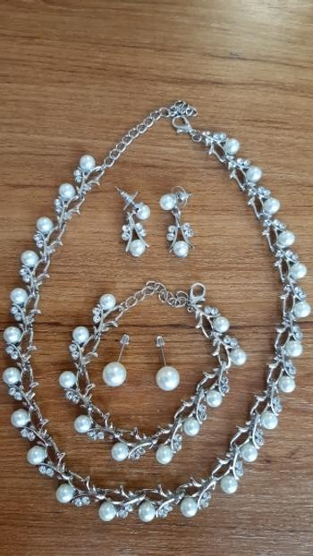 Boots N Bags Heaven Lustrous Pearl and Leaf Vines Jewelry Set Review