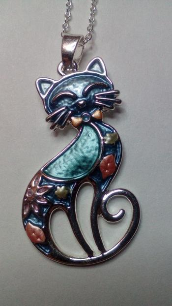 Boots N Bags Heaven Gleeful Enamel Cat Pendant Necklace Review