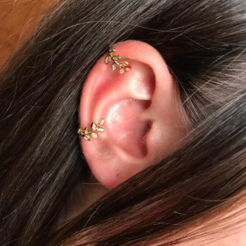 Boots N Bags Heaven Rhinestone Adorned Leaf Ear Cuffs Review