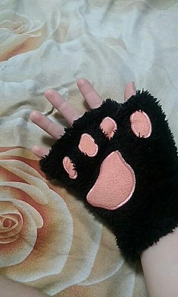 Galaxy Teez **FREE** Cute & Fluffy Cat Gloves - Limited Time Offer Review