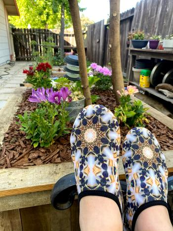 Lisa Ing Indoor Outdoor Athletic Slippers - Navy and Gold Kaleidoscope Review