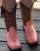 The Western Company Old West Pink Youth Girls Corona Calf Stitch Cowboy Western Boots Review