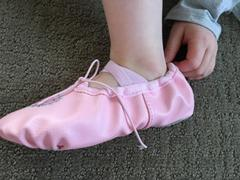 Tiosebon/Konhill Leather Ballet Dance Shoes For Girls(Toddler/Little Kid/Big Kid) Review
