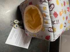 The Hoghouse Grey and yellow woodland animals cosy cube house. Hedgehog and guinea pig padded fleece lined house. Review