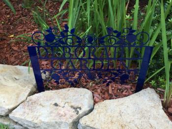Modernist Décor Floral Garden Stake Review