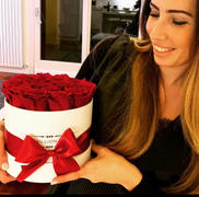 The Million Roses Europe Classic - Red Eternity Roses - White Box Review