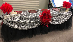 tableclothsfactory.com 120 Black Round Flocking Damask Tablecloths Review
