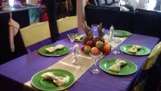 tableclothsfactory.com 12x108 Apple Green Satin Table Runner Review