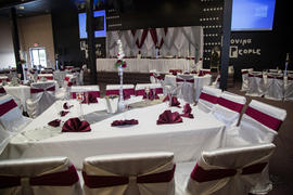 tableclothsfactory.com White Universal Satin Chair Covers Review