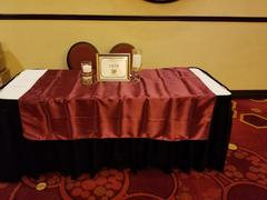 tableclothsfactory.com 60x 60 Burgundy Seamless Satin Square Tablecloth Overlay Review