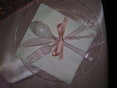 tableclothsfactory.com 12 Pack | 9 Blush | Rose Gold Glitter Round Disposable Plastic Dinner Plates With Shiny Blush Rim Review