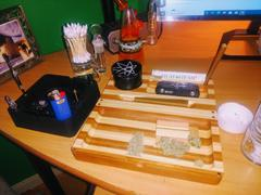 420 Science RAW Backflip Magnetic Bamboo Striped Rolling Tray Review