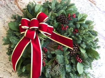 Lynch Creek Wreaths  Red Deluxe Review