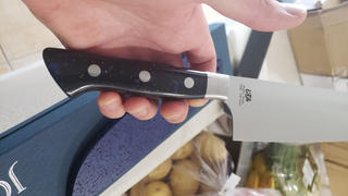 "JapaneseChefsKnife.Com Hattori Forums FH Series FH-4D Santoku 170mm (6.6inch, ""Black SpaceCorian® Handle) Review"