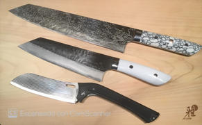 JapaneseChefsKnife.Com Custom Limited Edition Takeshi Saji R-2 Diamond Damascus Kiritsuke 240mm (White & Black Turquoise Gemstone Handle, 9.4 Inch, STCL-89) Review