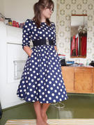 Miss Windy Shop Milana Navy Polka Dot Kellomekko Review