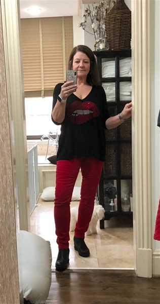 Lee Ann Nelson verified customer review of Diana Relaxed Fit Corduroy Skinny (Red)