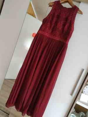 E***e verified customer review of Sleeveless High Collar Long A Line Evening Dress