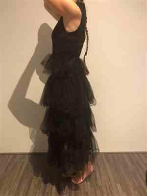 I***g verified customer review of Elegant Mock Neck Layered Ruffle Long Dress Sleeveless - Black