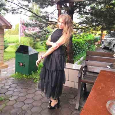 K***a verified customer review of Elegant Mock Neck Layered Ruffle Long Dress Sleeveless - Black