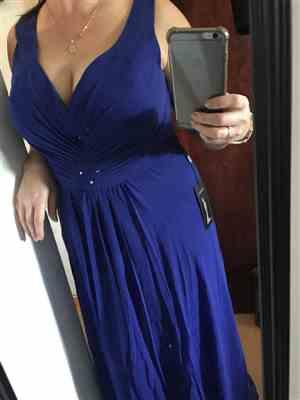 T***S verified customer review of V-Neck High-Low Evening Dress