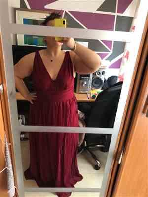 Isabela M. verified customer review of Plus Size Sleeveless V-Neck Semi-Formal Maxi Dress